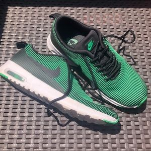 NIKE AIR MAX THEA BARELY WORN